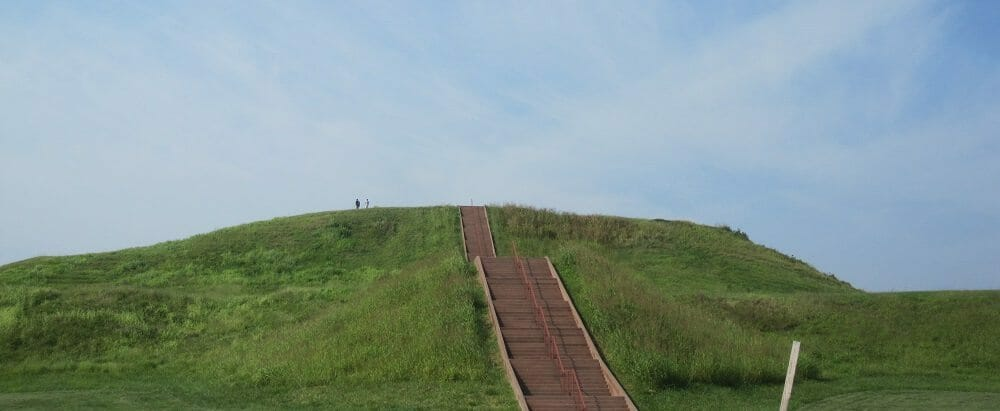 Cahokia_Monks_Mound