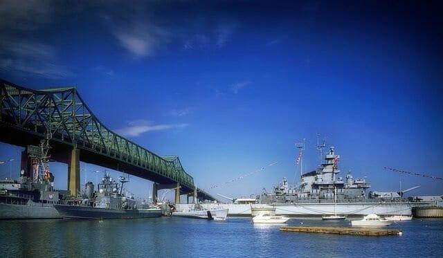 battleship-cove-398689_640