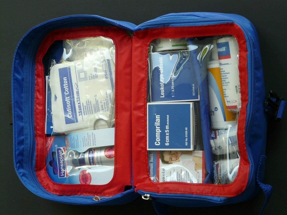 first-aid-kit-59646_1280