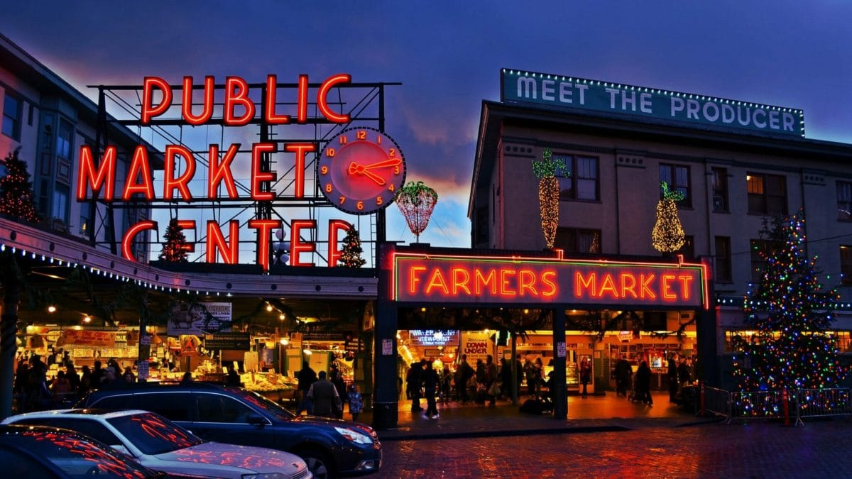 Pike_Place_Market_Entrance