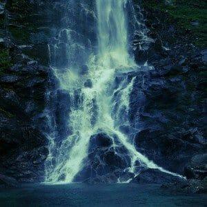 waterfall-403033_1280