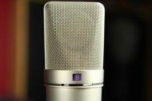 microphone-764865_1280