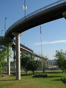 220px-Big_Dam_Bridge_2