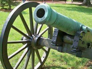 cannon-978364_1920