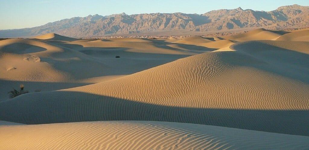 dunes-718392_1280-1024x768