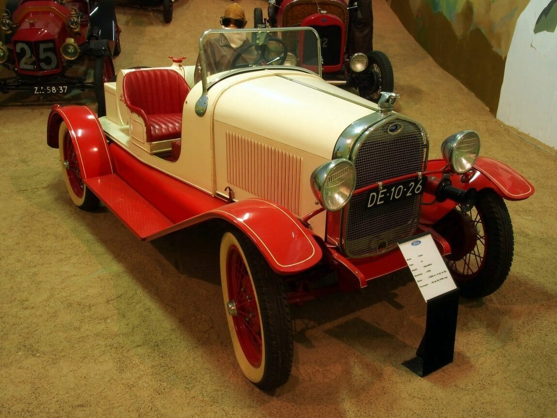 ford-835984_1920