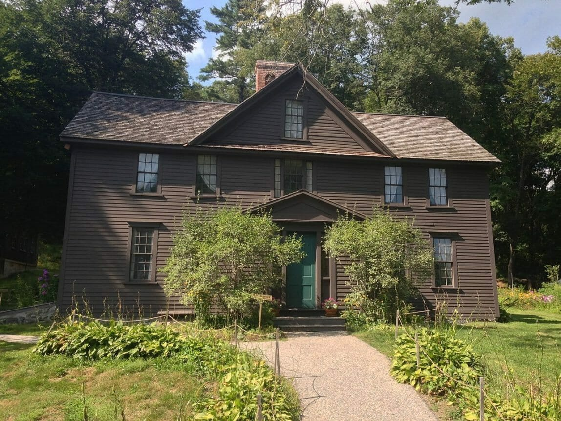 1280px-Orchard_House_from_Little_Women