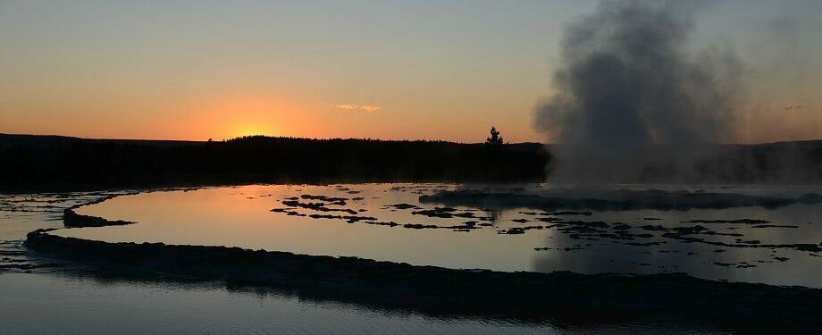 great-fountain-geyser-65782_1920