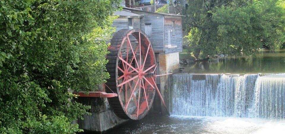 The_Old_Mill_in_Pigeon_Forge,_TN_IMG_5104