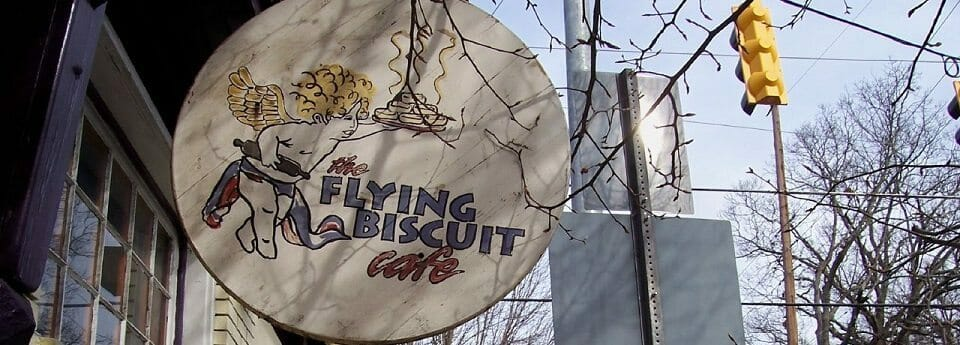 Flying_Biscuit_in_Candler_Park,_Atlanta,_Georgia