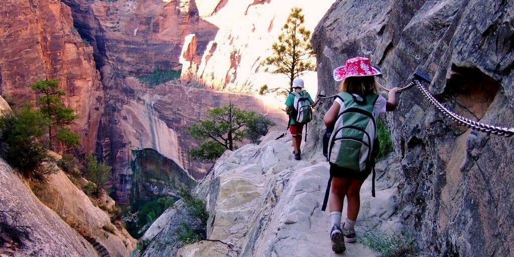 Hidden_Canyon_trail_zion_national_park