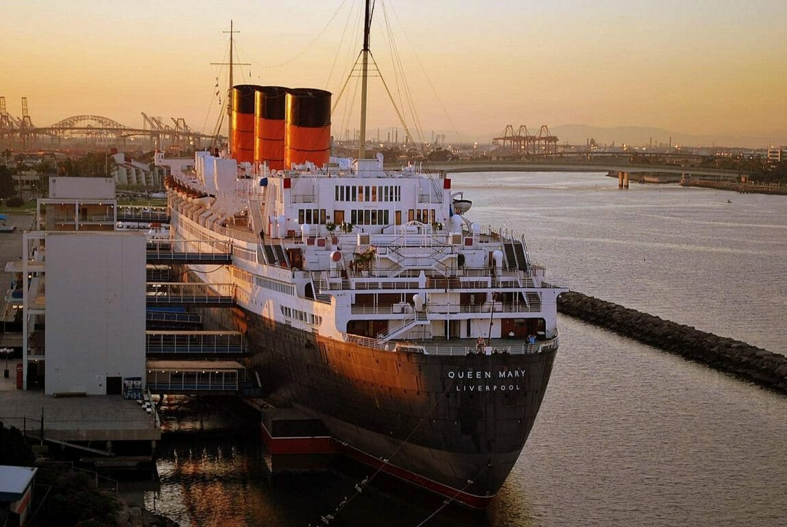 rms_queen_mary_20100215