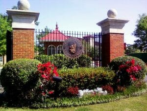 tuskegee_university_main_entrance