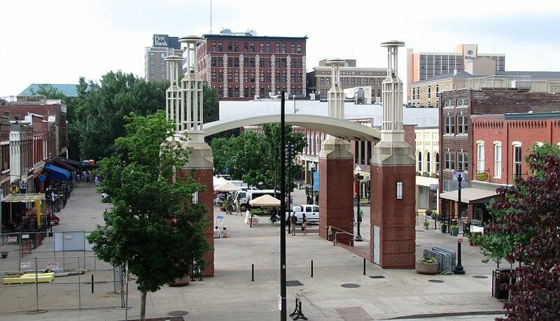 BrineStans Market Square